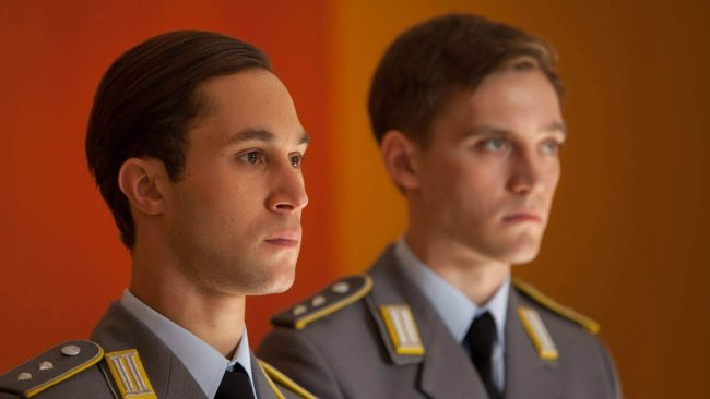 Alex Edel (Ludwig Trepte) og Martin Rauch (Jonas Nay) i Deutschland 83. Foto: SundanceTV Deutschland 83 3