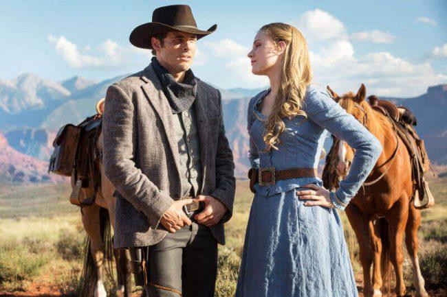 Maskinenes perspektiv står i sentrum, spesielt med James Marsden som Teddy og Evan Rachel Wood som Doloros Foto: HBO