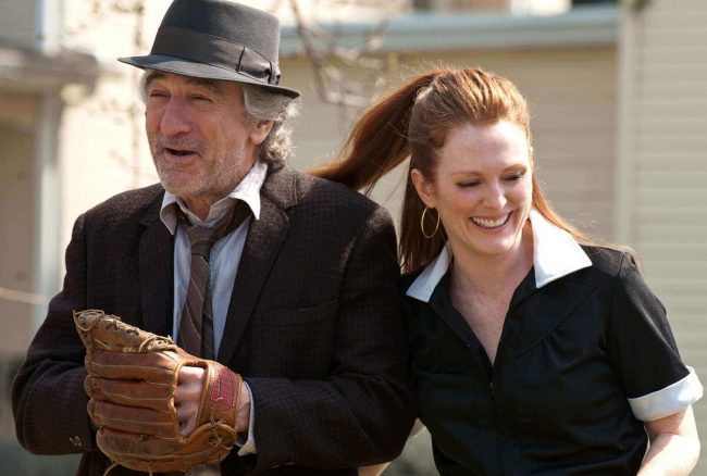 Robert De Niro og Julianne Moore sammen i 2012-filmen Being Flynn
