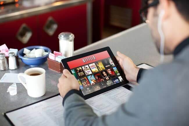 Netflix innholdssjef Ted Sarandos til Serienytt: – Jeg tror vi kommer til å sette en ny standard