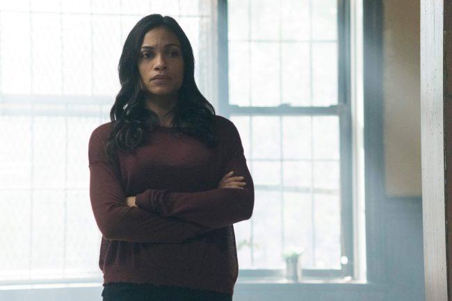 Rosario Dawson, her i Iron Fist-serien på Netflix. Foto. Netflix