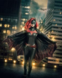 Ruby Rose som Batwoman i Elseworld. Foto: The CW